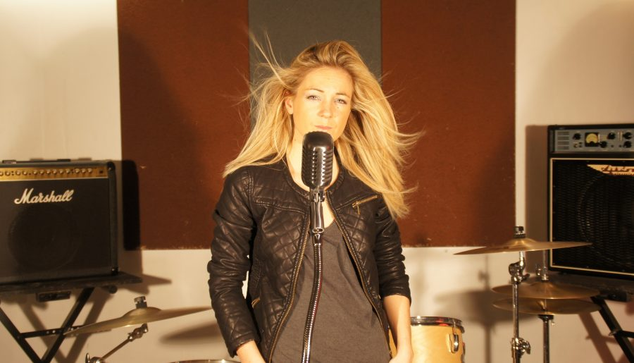 L'ex-candidate de la Star Ac', Anne-Laure Sibon, a enregistré un nouvel album
